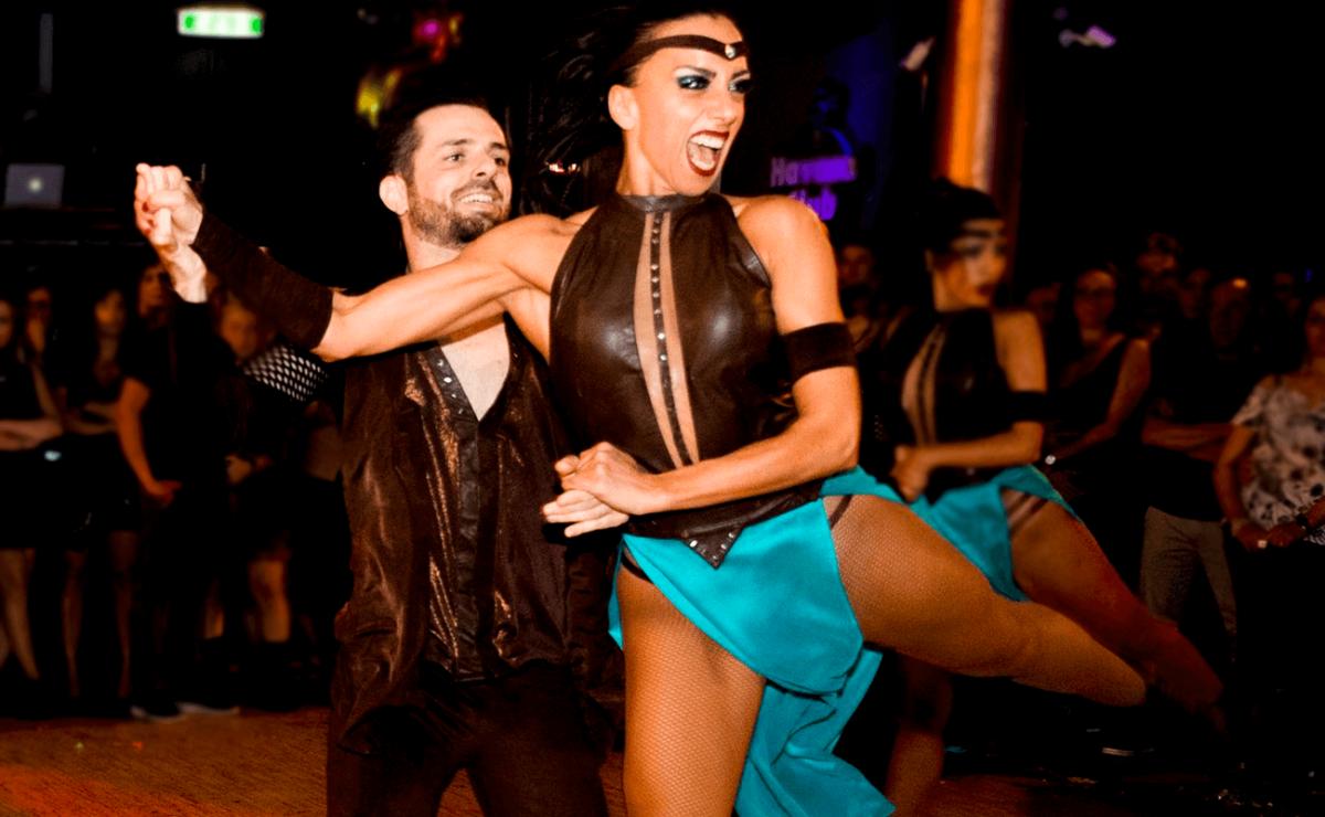 SALSADIFERENTE Dance Company